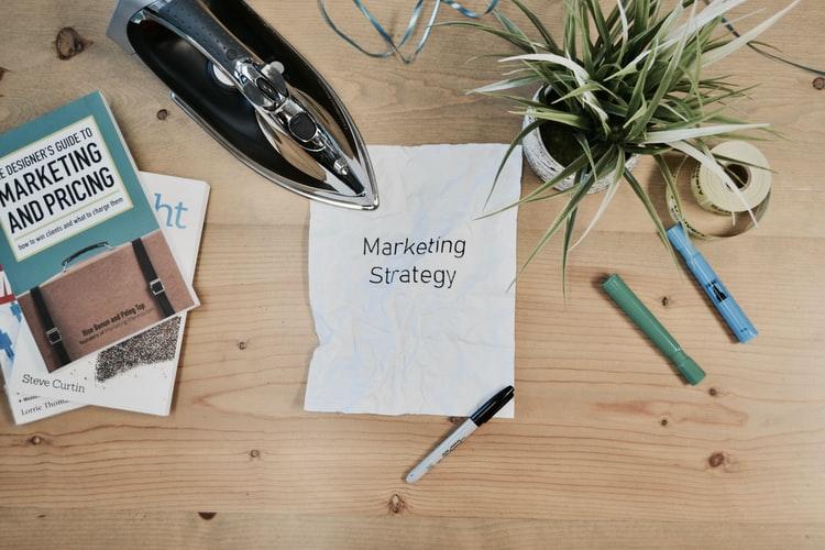 Дайджест #33 Топ-3 вакансии на удаленку для маркетологов 👜