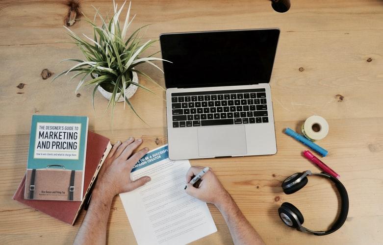 Дайджест #27 Топ-4 вакансии на удаленку для маркетологов 👜